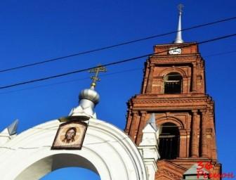 Вход и колокольня Спасо-Преображенского собора